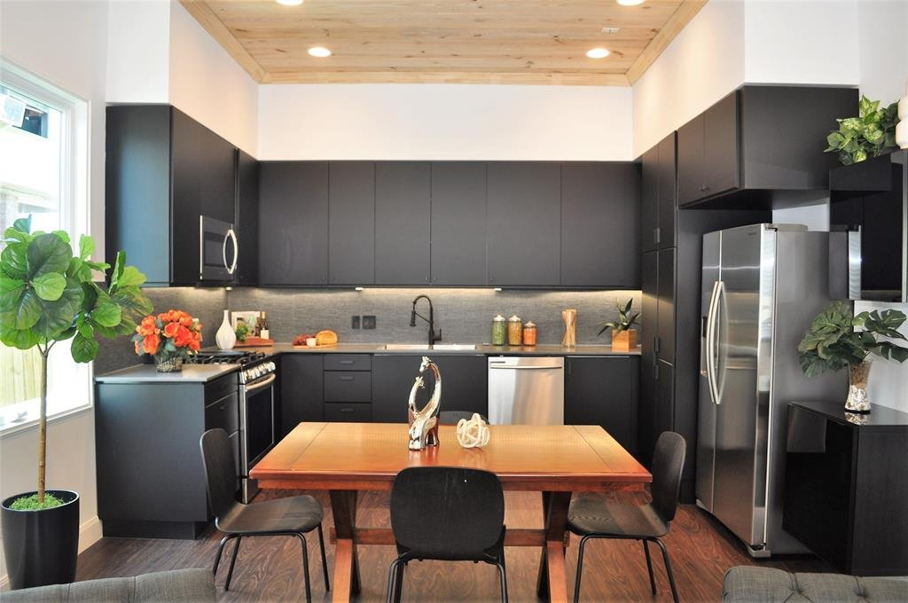 Vacant Home Staging - Kitchen