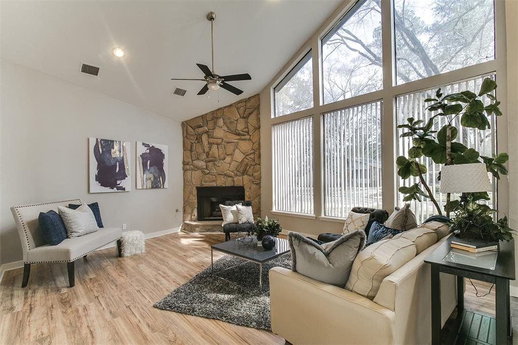 Vacant Home Staging - Living Room