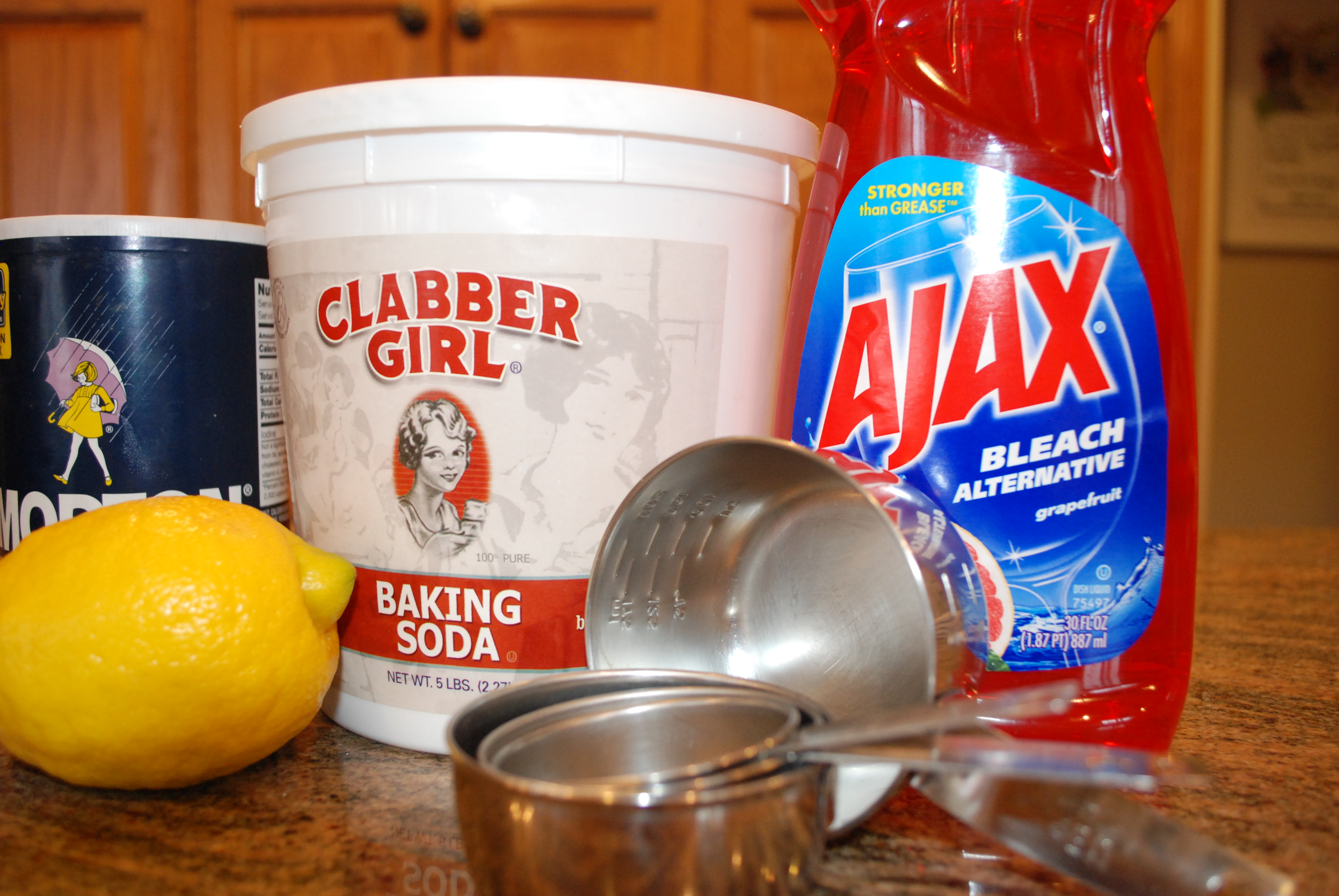 pre vacation cleaning tips
