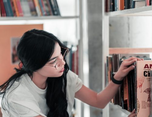 How to Declutter Your Bookshelves, Painlessly