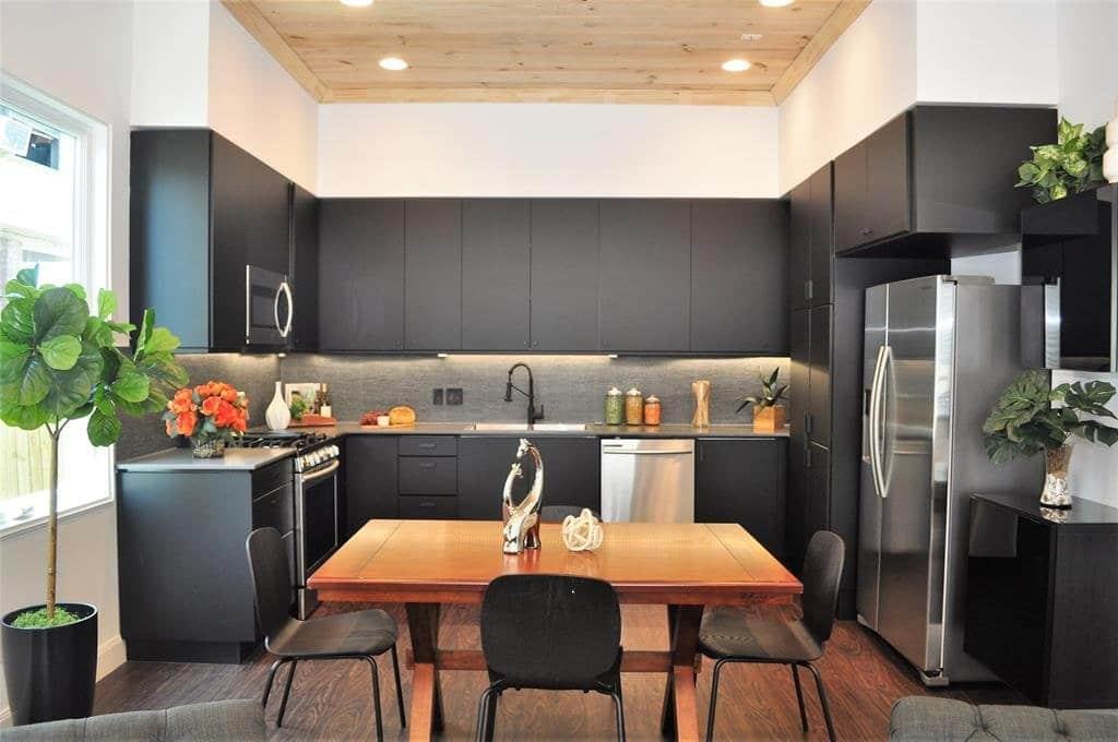 Engelke kitchen after home staging
