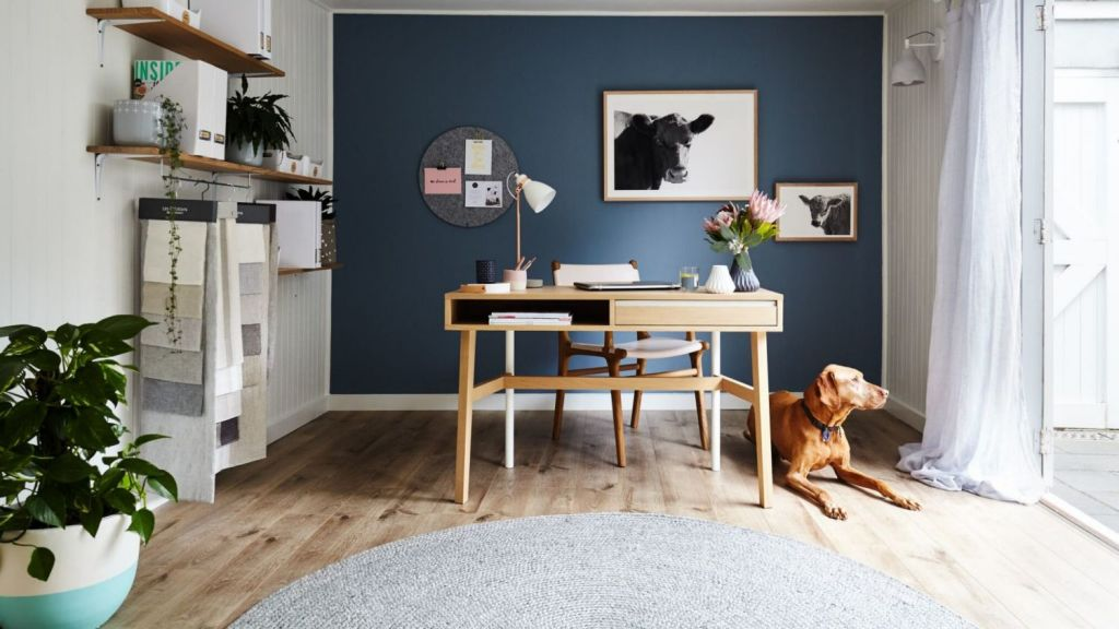 How to Design and Organize a Zoom Worthy Home Office